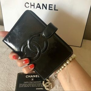 Chanel CC Black Patent Leather Agenda Cover Wallet